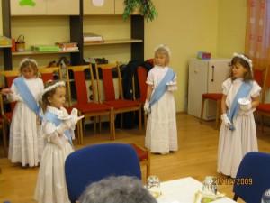 2009.12.21. Az óvodások szereplése a karácsonyi klubnapon