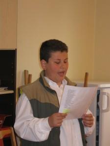 2012.04.23. A Költészet napi klubnapon az iskola diákjai 006