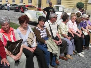 2013.04.17. Csoportunk a Budai várszínház előtt 056
