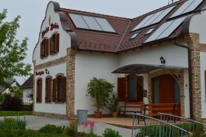 2014.04.23. A Hajós-i Pincefaluban a Kovács borház 205